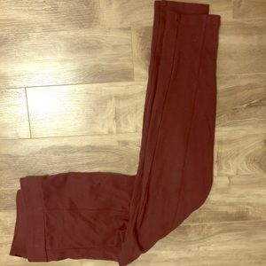 Burgundy ponte leggings